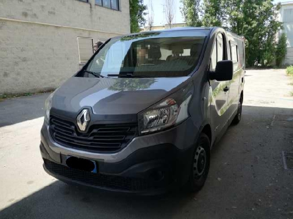 RENAULT TRAFIC DCI 120